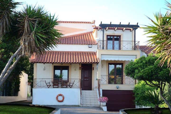Villa Bella Loukisia
