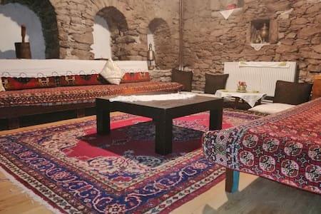 Tarihi Rum Konağı (Tek kişilik odalar)