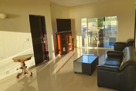2 Bedroom Apartment with Aircon