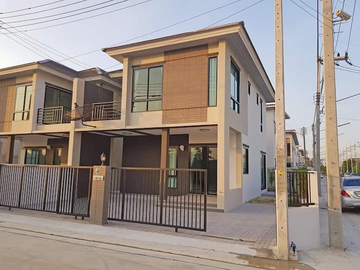 Kanchana House