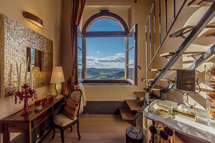 Charming House Rental, Crete Senesi - Monte Sante Marie - Apartamento