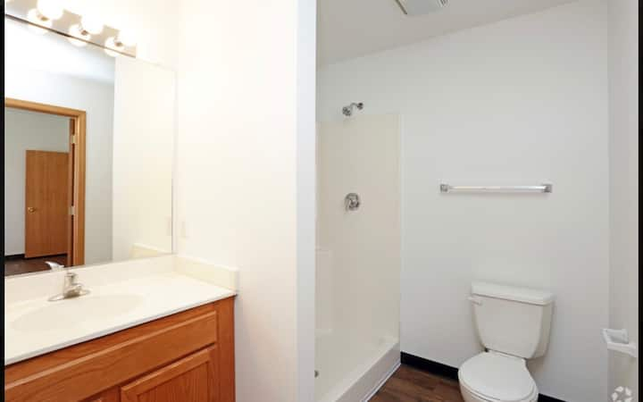 1 bed/ 1bath Sublease available in a 2 bed unit