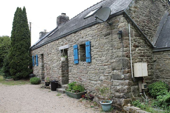 Huelgoat Holiday Cottages - Huelgoat - House