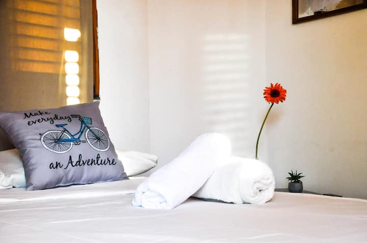 Casa Delfin Guesthouse @ Las Ballenas beach R4