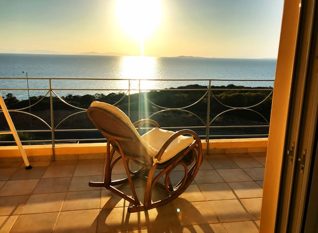 2 bedroom apartment with stunning sea view