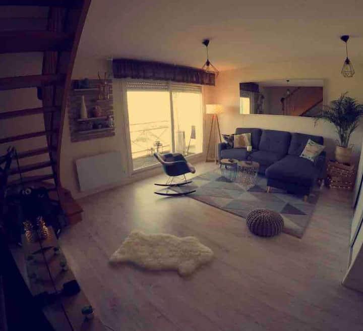 Chambre dans duplex meublé à neuf vue sur mer GR34