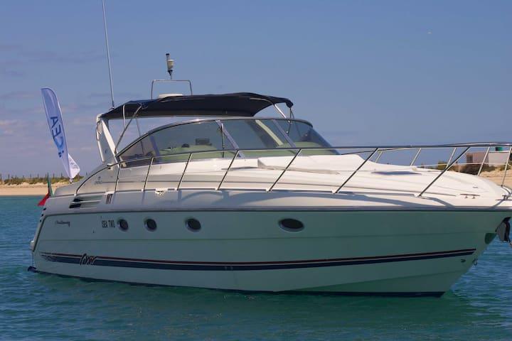Sleep Aboard a Yacht