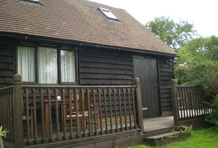Detached Countryside lodge - Herstmonceux - Alpstuga