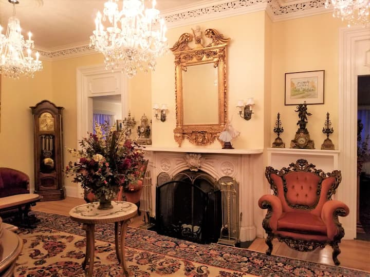 The Victorian  Beautiful Master Suite to rent