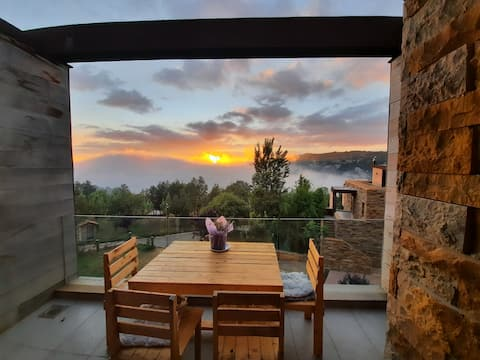 Cozy Chalet at REDROCK Faqra perfect for gateway