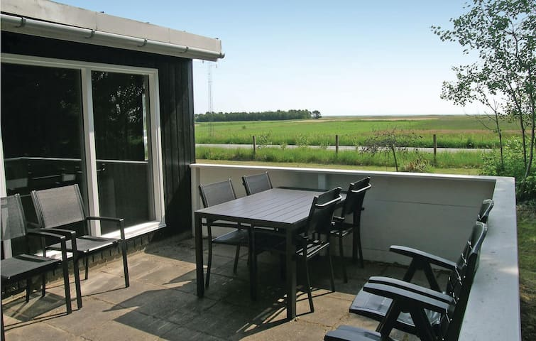 Holiday cottage with 2 bedrooms on 60m² in Sæby