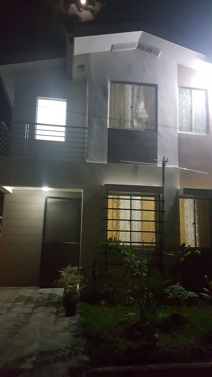 3 Bedroom House for Rent Avidal Village Talisay