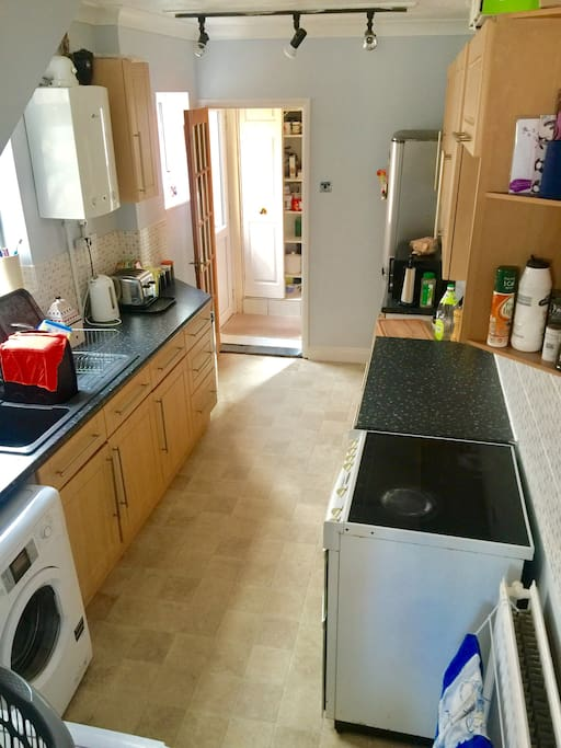Use of Kitchen available including washing machine