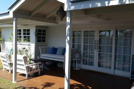 Peppermint Lodge (Private Studio), Nobby Beach