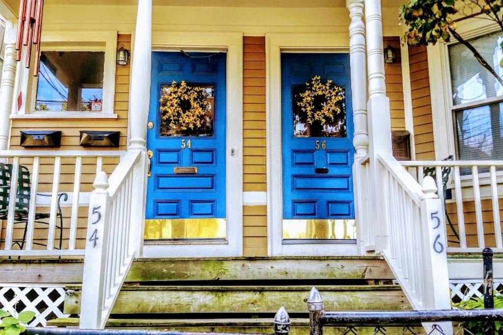 Front entrance, I have my own entryway, its not shared with any other apartments.