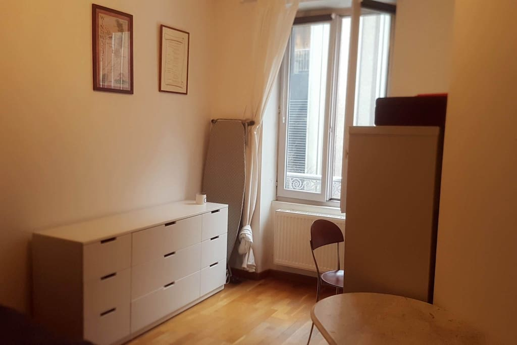 Chambre-coté bureau