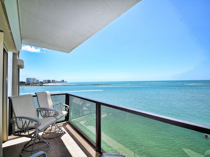440 West Condos 607-N 6th Floor 440 West Condo with Stunning Water View.