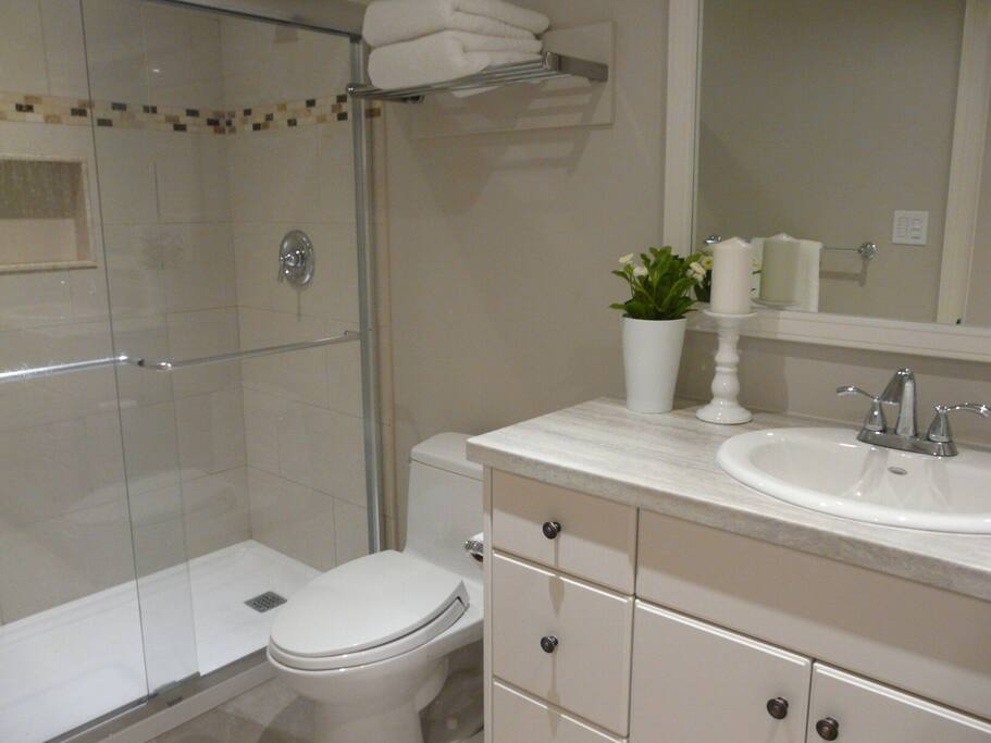 3-piece private bathroom