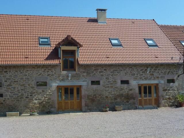 Les gîtes de la Planche: Les Charmes - Saint-Nizier-sur-Arroux - Casa