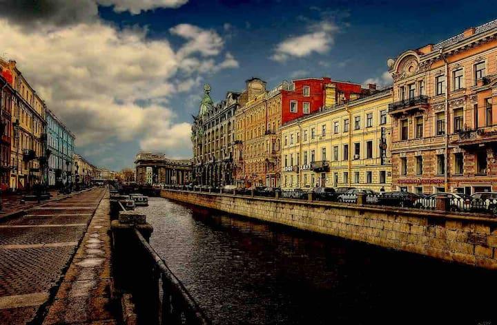 Квартира у Казанского  с видом на Канал Грибоедова