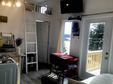 Tiny House Beaver Harbour NB (Private Oceanfront)