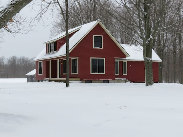 Charming Country Home Near Crystal Mountain Resort