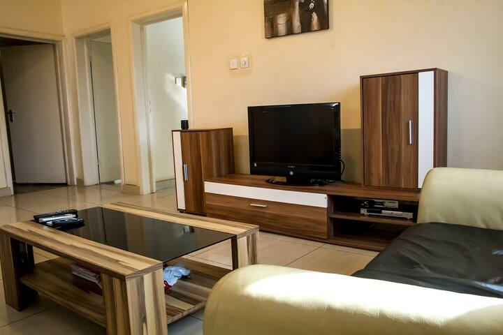 Royal German 2 Bedroom Apartments - Accra - อพาร์ทเมนท์