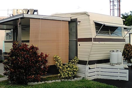 Your little guest caravan - Pembroke Park
