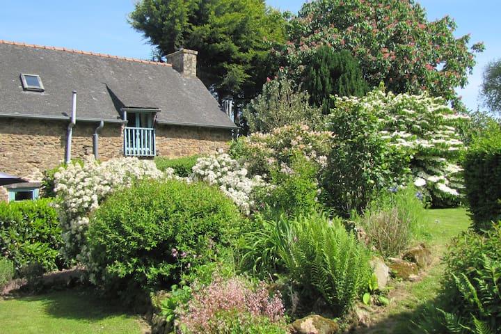 Romantic Gite for 2  Gomene Central Brittany