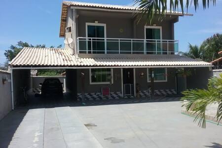 Casa em Itaipuaçu (3 quartos e piscina!)