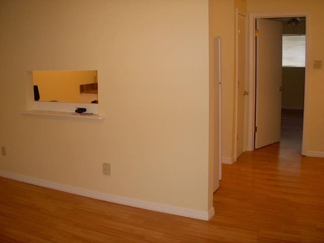 1 bed appartment - Clarendon Hills - Apartment