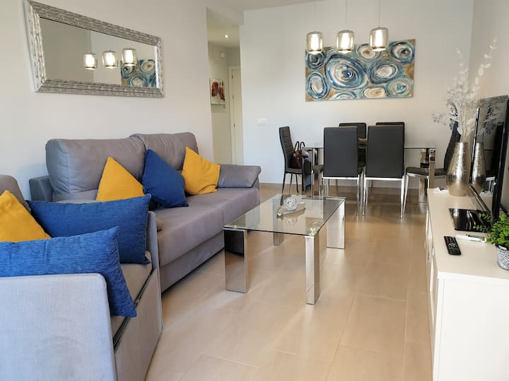 Modern Renovated Apartment in Edificio Apolo
