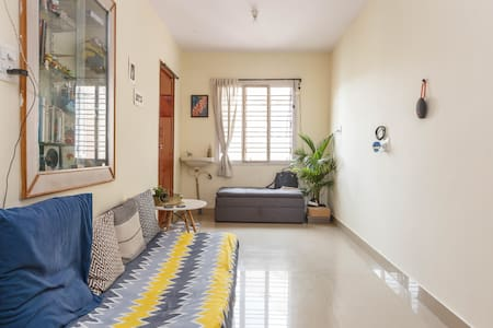 BACKPACK DIGS: Shared space in 1 BHK Koramangala