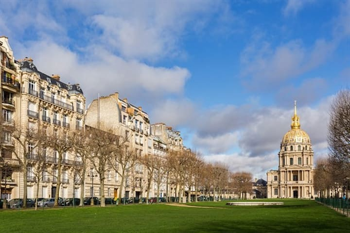 Invalides with view, near eiffel Tower(10' walk)