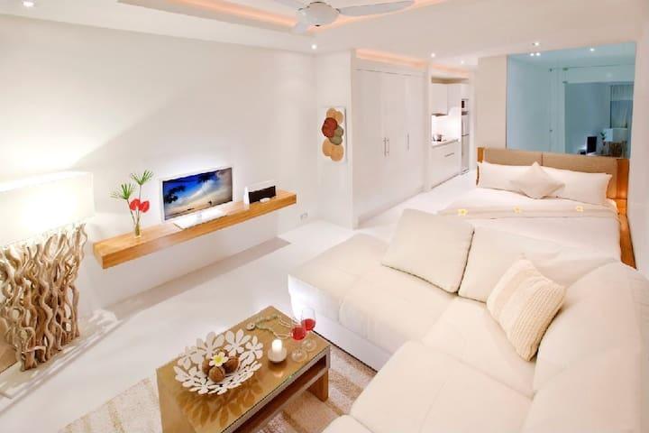 Luxury Studio with Garden & Pool Access at Lanna