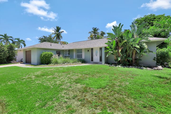 Private, pet-friendly inland home w/ heated pool