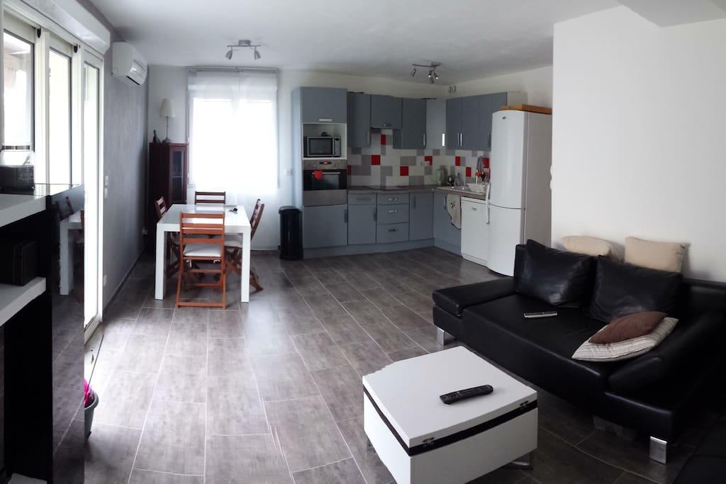 rez de jardin st jean de vedas maisons louer saint jean de v das languedoc roussillon. Black Bedroom Furniture Sets. Home Design Ideas