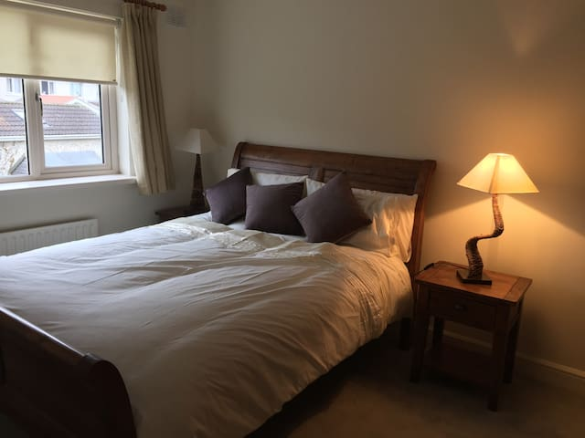 Cosy house in Dublin 15, 2 double beds. - 卡索諾科(Castleknock) - 獨棟