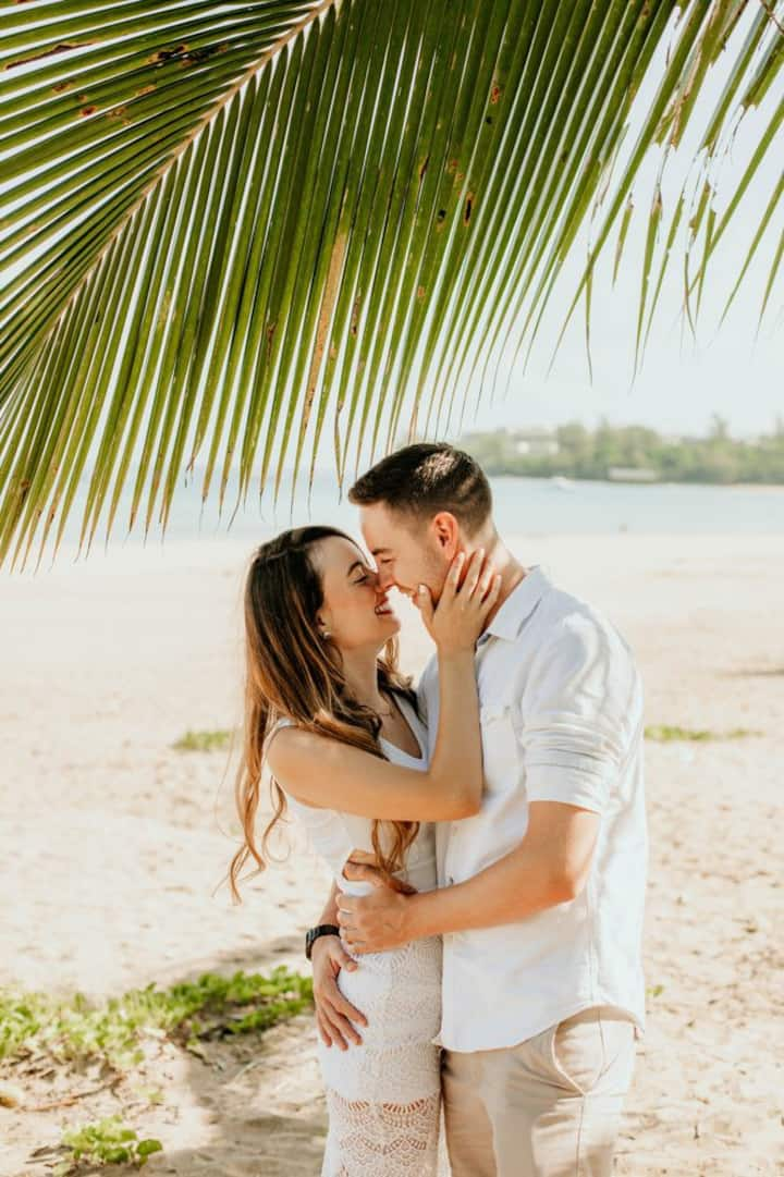 Engagement Session at Hanalei Bay