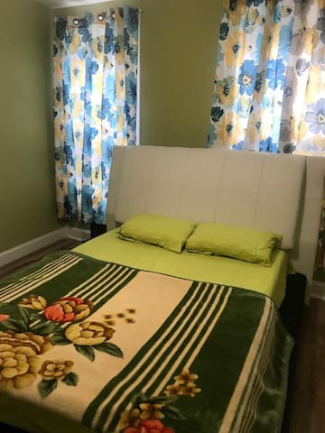 10 min from jfk arpt nice and comfy place to stay