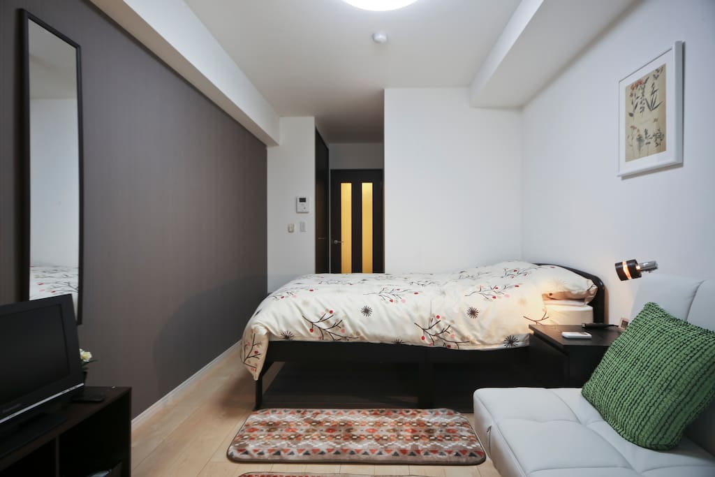 Apartment built in 2015. Very clean and comfortable room!!