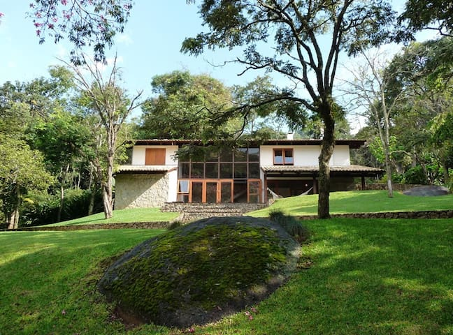 Reserva Atibaia / Casa de montanha - Itapetinga - Villa