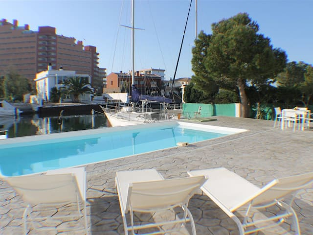 Cap Llarg 9 - House with 4 rooms in Roses