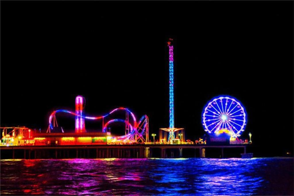 Pleasure Pier...Night View