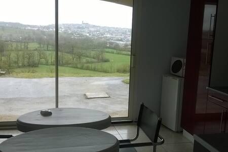 Loft 40 m2/Terrasse/Vue - Onet-le-Château