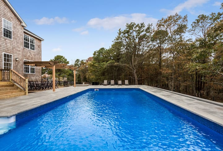 Hamptons House - Newly Renovated, 5 bedrooms