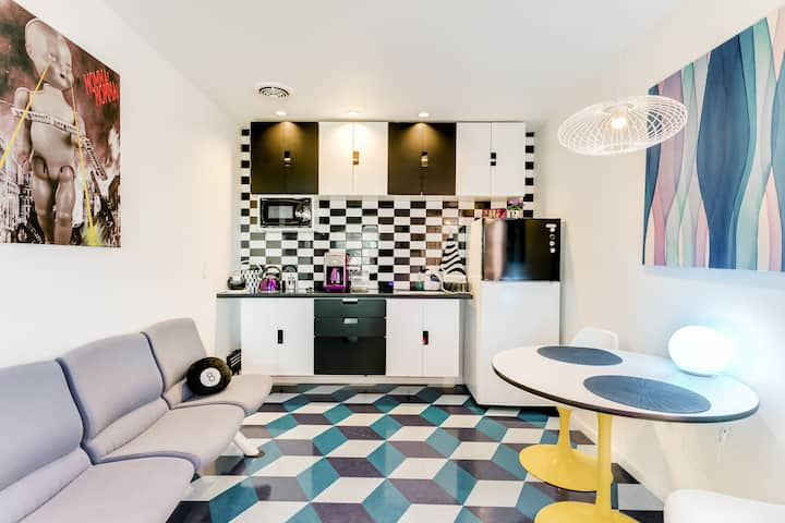 Mod Pop-Art Pad in Silver Lake, Balcony with Park View