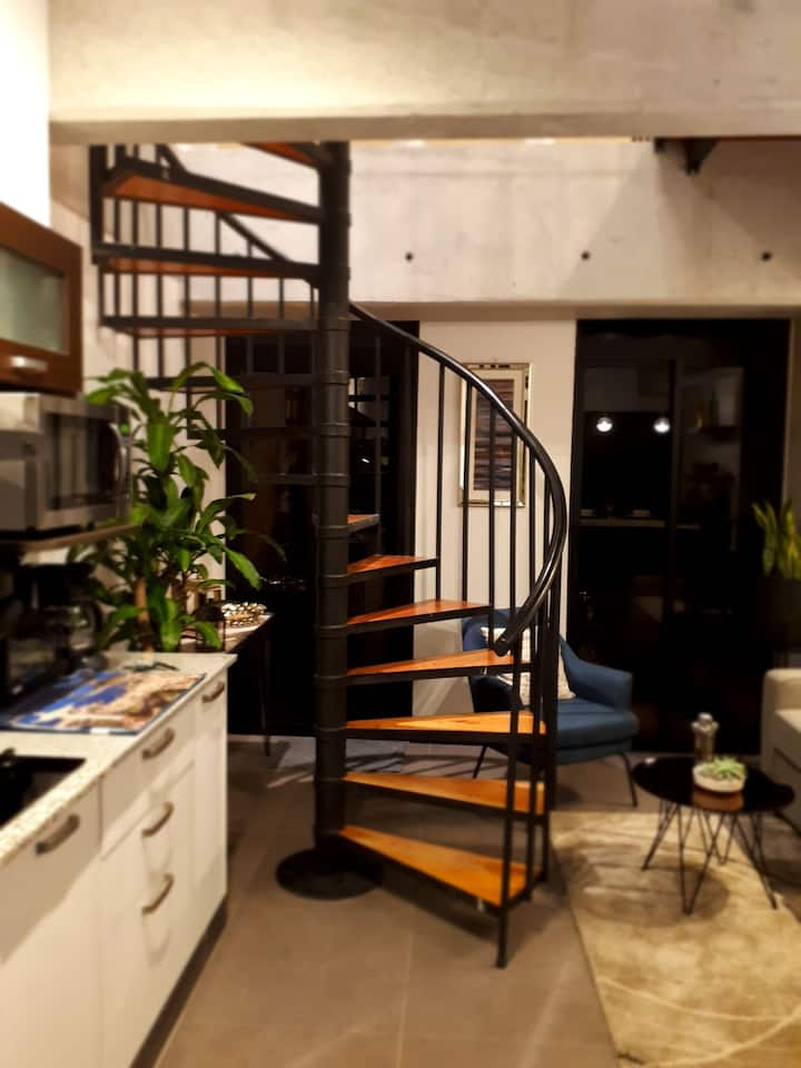Business - Studio Loft #114