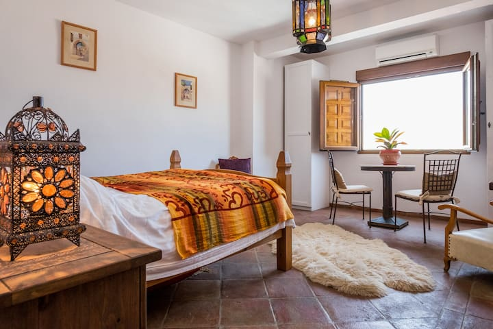 1. Sunshine, Sea + Mountain views - Salobreña - Bed & Breakfast