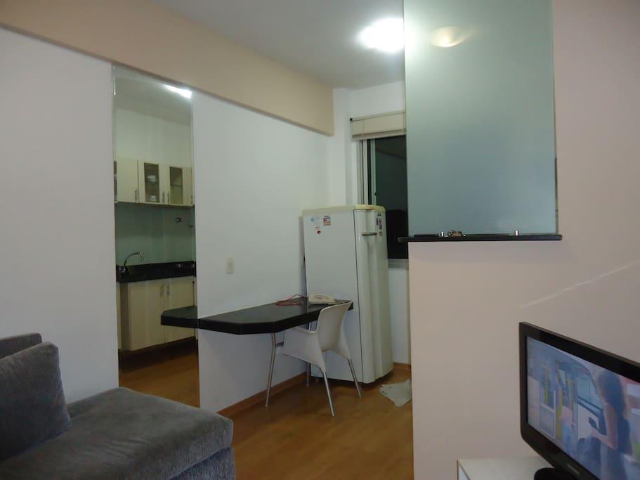 Parte da Sala com visão mais aproximada da cozinha